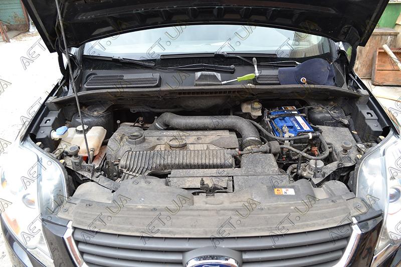 Установка аккумулятора на Ford Kuga 2.5 бензин - Bosch S4 72Ah