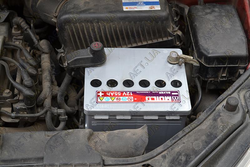Установка акб Мутлу 55ah на авто Hyundai Getz - 2