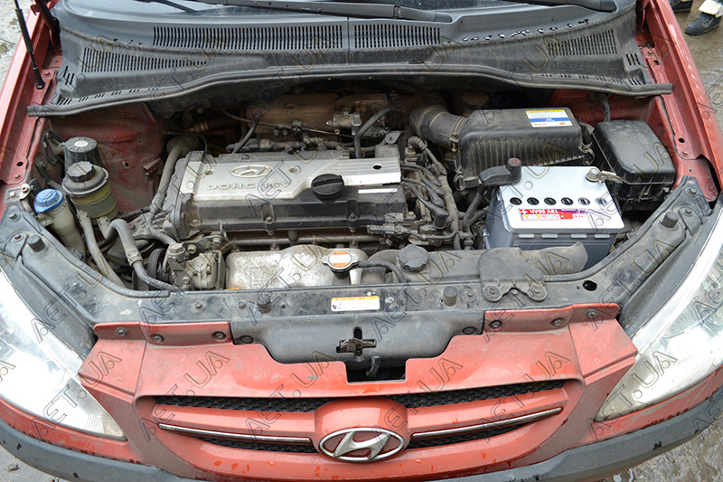 Установка акб Мутлу 55ah на авто Hyundai Getz - 1